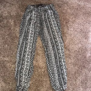 American Eagle patterned pants